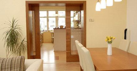 Interiérové dveře z různých materiálů