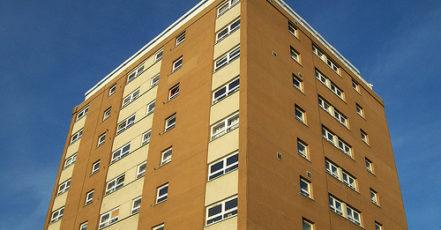 Vyřešte revitalizaci panelového domu spolehlivě, rychle a bez starostí