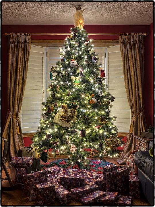 Chcete instalovat vánoční osvětlení? Pořiďte si k němu to správné vybavení!