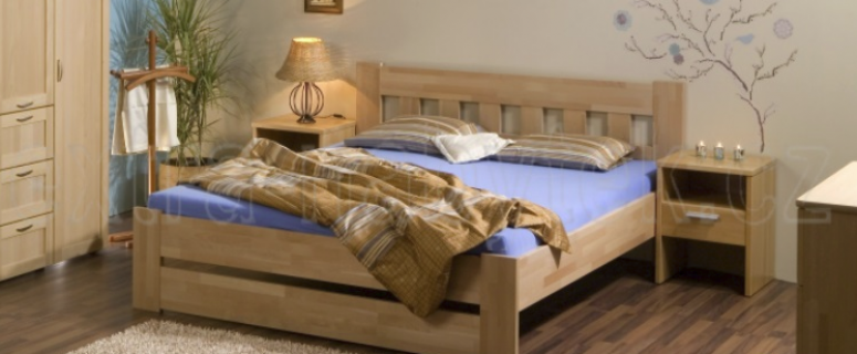 postele z masivu