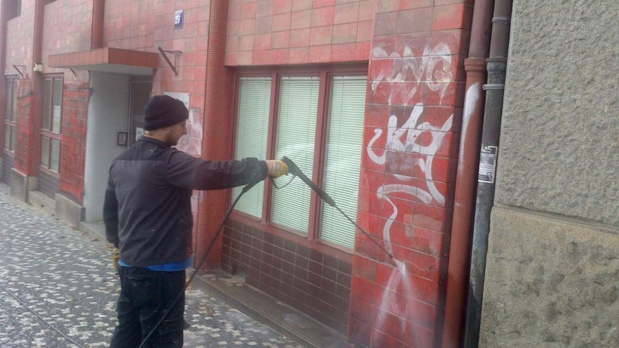 Jak odstranit graffiti?