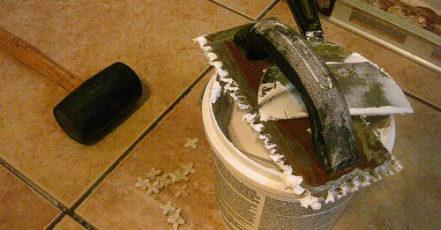 Jak na pokládání dlažby v interiéru