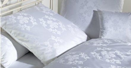 Spánek zkvalitní i správný výběr materiálu pro ložní prádlo