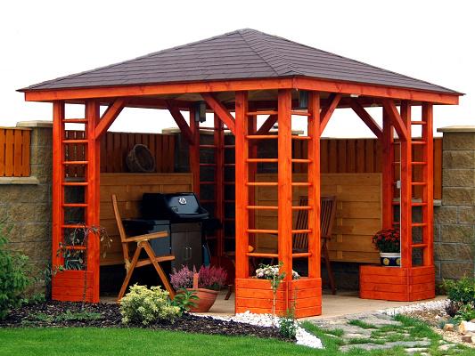 Postavte si na zahradě altánek, jež bude její chloubou a vaším oblíbeným místem k odpočinku