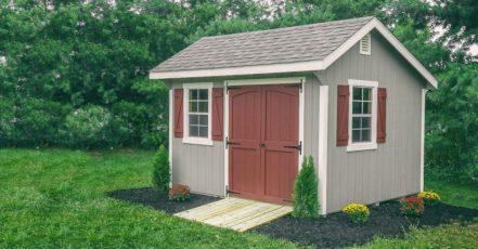 Praktické zahradní domky jako úložiště nářadí i dětských hraček