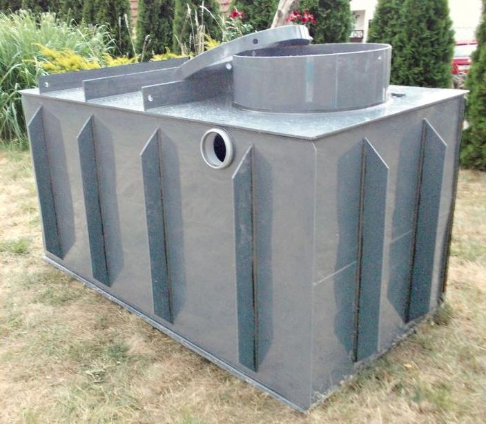 Kov, beton, plast, sklolaminát. Který materiál na nádrž na dešťovou vodu je nejlepší?