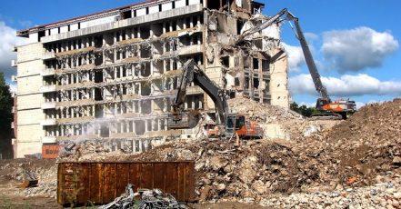 Zrekonstruovat nebo nezrekonstruovat dům? To je oč tu běží