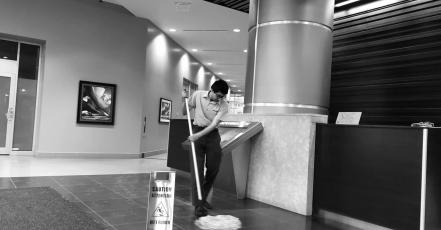Jak na mytí podlahy? Máme pro vás tři tipy!